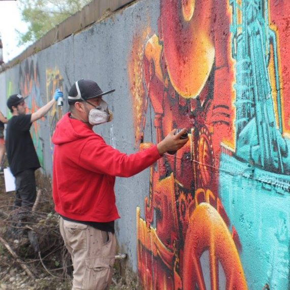Painting with artists from Léon Mexico and Chicago, IL (via partnership with PITT) at the Carrie Furnace